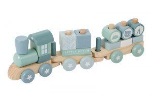 Drewniana czy plastikowa? Jak wybrać wartościową zabawkę dla dziecka?